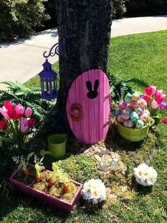 DIY BUNNY DOOR... Made from a piece of foam! So cute!   http://www.hallmarkchannel.com/home-and-family/how-to/how-to-make-your-own-easter-bunny-door