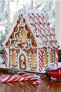 A gingerbread house is sooo adorable and pretty! But these incredible ones take gingerbread houses to the next level! Gingerbread House Parties, Christmas Gingerbread House, Christmas Sweets, Noel Christmas, Christmas Goodies, Gingerbread Man, Christmas Baking, Gingerbread Cookies, Gingerbread Village
