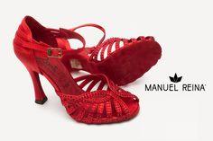 Me vuelven loca!!!!!😍❤️❤️ 😊 Locaaaaa!!! 🤗 🤗 LOS AMO TANTO!!!! 😍❤️❤️ #Tendencia #BAILE #sandals #sandalias #zapatos #salsa #anitacollection #adrianyanita #fashion #redshoes #rojo #moda #kizomba #mambo #tango #salones #hechosamano #madeinspain #manuelreina #zapatosexclusivos #shoes #womanshoes #divinity #luxe #dancer #ballerina #bachata #bailelatino #ilovedance