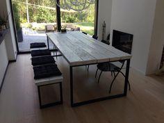 Ruokapöytä, 100x270cm. Tehty vanhoista lankuista