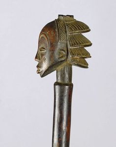 ELEGANT LUBA SHANKADI CEREMONIAL AXE Pretty cascade hairstyle Axes and adzes are objects of power The Luba are a great people in eastern DRC. Their caryatid seats, their cup holders, chiefs' sticks, arrow holders, adzes and ancestral statues are very famous and among the most valued objects in African Art. Congo, Statues, Art Tribal, Art Premier, Art Africain, African Art, Axe, Objects, Cup Holders