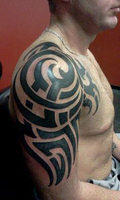 polynesian-arm-tattoo-by-evan-beers-03302014-3.jpg (360×600)