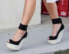 Kim Kardashian's Shoes: Giuseppe Zanotti super-high wedges – Women Fashion Black Wedge Shoes, Black High Heels, Black Wedges, Ladies Wedge Shoes, Cute Shoes, Me Too Shoes, Giuseppe Zanotti Heels, High Wedges, Summer Wedges