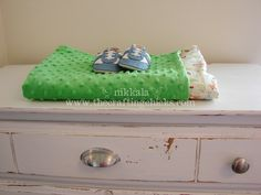 The perfect minky baby blanket tutorial! @Crafting Chicks