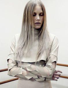 """MODEL OF THE WEEK  Veio de um país banhado pelas águas geladas do Mar Báltico e chegou a Portugal para vencer. Um ano depois de ter vencido o Modalfa Fashion Dream, a manequim da Best Models foi galardoada com um Fashion Award de Melhor Modelo New Face. Descobre porque é que Margarita Pugovka eleva o """"best"""" a """"bestial"""". Lê o artigo completo em http://nstylemag.com/model-of-the-week-margarita-pugovka/"""