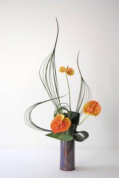 Tropical Flower Arrangements, Modern Floral Arrangements, Picture Arrangements, Creative Flower Arrangements, Ikebana Flower Arrangement, Ikebana Arrangements, Beautiful Flower Arrangements, Unique Flowers, Exotic Flowers