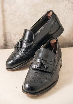 da14312f520096 Items similar to Mens 1970s Dexter black leather wingtips with tassels and  shoe shapers. Approx size 11 on Etsy