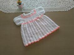http://www.aprender-crochet.com/ Este vestidito está realizado para una bebé entre 3 a 6 meses de edad. MATERIALES. 100 gramos de lana fina de tipo bebé. (ap...