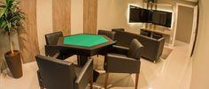 Sala de jogos de mesa e tv