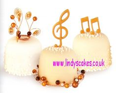 Musical mini cakes by Lindy Smith