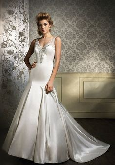 Alfred Angelo Sapphire 884 $1000-1499