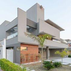 Casa sobrado com fachada moderna em terreno 12x30 - conheça todos os ambientes! #fachadasmodernassobrado