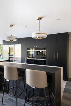 Kitchen Room Design, Modern Kitchen Design, Home Decor Kitchen, Kitchen Furniture, Kitchen Interior, Kitchen Ideas, Dark Kitchens, Dream Kitchens, Home Kitchens