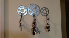 Recycled bicycle gears key holder medium