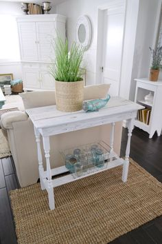 NEW! DIY TABLE DESIGN: Super cute mutli-use DIY table with spindle legs and a beachy coastal style, with a white washed finish on reclaimed plallet wood. Looking forward to Spring here at Fox Hollow Cottage!