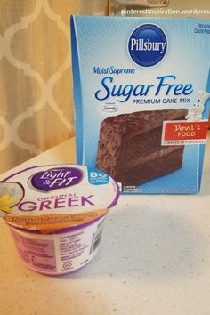 Skinny Chocolate Muffins- Smart Points Each! Skinny Chocolate Muffins- Smart Points Each! – 1 Box of Sugar-free Cake Mix points) 1 Container (or 1 cup) Low-fat Greek Yogurt points) 1 Cup Water Weight Watcher Desserts, Weight Watchers Snacks, Muffins Weight Watchers, Plats Weight Watchers, Weight Watchers Brownies, Weight Watchers Cupcakes, Weight Watchers Recipes With Smartpoints, Weight Watchers Cheesecake, Gastronomia
