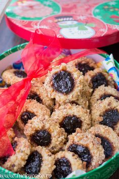 Globulete cu nuca si gem - walnut and jam cookies Lucky Cake