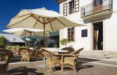 La terraza del hotel AC Palacio del Carmen dispone de 150,00 m2 donde nuestros huéspedes pueden descansar o relajarse mientras se deleitan con sus vistas hacia la Catedral de #SantiagodeCompostela