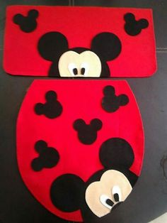 Mickey Mouse E Amigos, Mickey Mouse And Friends, Disney Mickey Mouse, Felt Crafts, Christmas Crafts, Diy And Crafts, Mickey Christmas, Christmas Love, Mickey Bathroom