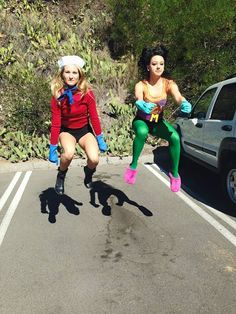 Mermaid Man and Barnacle Boy in the invisible boat-mobile - Costumes - halloween costumes Duo Costumes, Best Friend Halloween Costumes, Friend Costumes, Halloween Kostüm, Halloween Outfits, Spongebob Halloween, Spongebob Costume Diy, Halloween Parejas, Matching Costumes