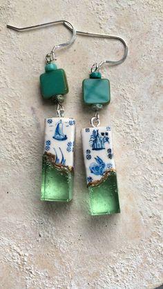 Azulejos Dipped in Ocean Portuguese Azulejo Tiles Dipped in Ocean Earrings. Sea Glass Jewelry, Resin Jewelry, Jewelry Crafts, Jewelry Rings, Jewelry Accessories, Handmade Jewelry, Ocean Jewelry, Unique Jewelry, Bridal Accessories
