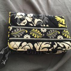 Vera Bradley Wallet Good condition used twice Vera Bradley Bags Wallets