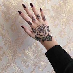 Full Hand Tattoo, Full Sleeve Tattoos, Flower Tattoo On Hand, Tattoo Sleeves, Knuckle Tattoos, Fake Tattoos, Wing Tattoos, Real Tattoo, Tattoo Small