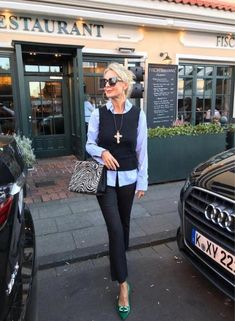 Over 50 womens fashion, 50 fashion, fashion over fashion 2018 Clothes For Women Over 40, Plus Size Fashion For Women, Fashion Tips For Women, Womens Fashion For Work, Ladies Clothes, Fashion Over 40, 50 Fashion, Fashion Outfits, Fashion Trends