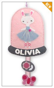 great way to organize all your little girl's hair accessories - felt hair clip holder from Giddy Giddy