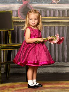 Mia Talerico from Good Luck Charlie! She is so adorable!!!!:)))<3