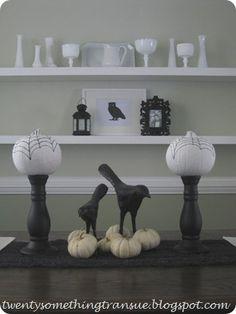 Halloween Tablescape   www.twentysomethingtransue.blogspot.com