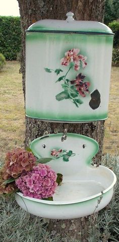 ANCIENNE FONTAINE EMAILLEE FLEURS AVEC ROBINET
