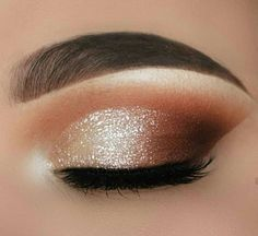 35 Hottest Eye Makeup Looks For Day And Evening , soft glam eye shadow Loading. 35 Hottest Eye Makeup Looks For Day And Evening , soft glam eye shadow Soft Makeup Looks, Soft Eye Makeup, Dramatic Eye Makeup, Glam Makeup Look, Eye Makeup Steps, Colorful Eye Makeup, Eye Makeup Art, Eyeshadow Makeup, Natural Makeup