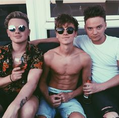 joe_sugg Hottest day of the yeaaaaar Markiplier, Pewdiepie, Joe Sugg, Joe And Zoe Sugg, Caspar Lee, Jack And Conor Maynard, Buttercream Squad, British Youtubers, Vlog Squad