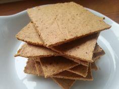 Amandelmeel crackers | Oerkracht voedingsadvies Je kunt de crackers eigen smaak geven met kruiden, zaden of krenten