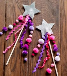 DIY for a Fairy or Princess Party. A Pretty Glitter Star Wand! Image by Todd Hafermann. Fun Crafts To Do, Craft Projects, Crafts For Kids, Craft Ideas, Beach Crafts, Play Ideas, Summer Crafts, Fun Diy, 31 Ideas