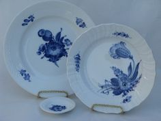 Tranquebar blue and white flower Royal Copenhagen china plates and dish.  Mor mor's pattern