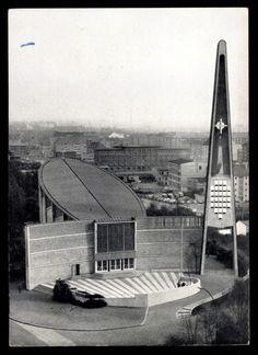 germanpostwarmodern:  Dreifaltigkeitskirche (1956-57) in Hamburg, Germany, by Reinhard Riemerschmid