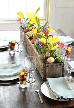 Looking for some decorating ideas for your upcoming Easter party? Here are some ideas to get started. #Easter #party #decoration