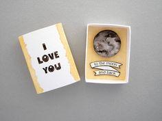 Te amo a la luna y parte trasera tarjeta de caja de cerillas