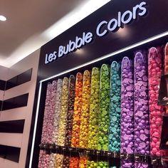 Um tubo de cada por favor?? Apenas uma foto da loucura que é a Sephora aqui em Paris
