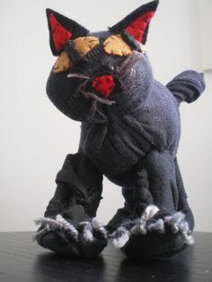 http://cartulina.es/regalos-manuales-gato-de-calcetin/ Peluche gato hecho a mano