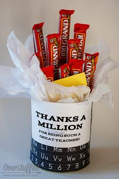 Thanks a Million Teacher Appreciation Gift Candy Bar Bouquet. Super easy to make and something every teacher will love! #overstuffedlife