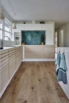 Vi leverer god kvalitet i stilrent design Interior Design Kitchen, Interior Design Living Room, Interior Decorating, New Kitchen, Kitchen Decor, Cuisines Design, Interior Design Inspiration, Home Renovation, House
