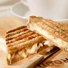 Tosti met abrikozenjam en brie-Sandwich with apricot jam and brie x Good Food, Yummy Food, Grilled Sandwich, Lunch To Go, Wrap Sandwiches, High Tea, Sweet Desserts, Food Truck, Food To Make