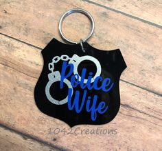 Police Wife Acrylic Keychain Measures 3 W x 3 H This is a black acrylic keychain with Handcuffs in Silver Glitter & Police Wife in Blue! Order will come with tracking number that you can track directly from Etsy 40th Birthday Quotes, 70th Birthday Gifts, Mom Birthday Gift, Birthday Images, Birthday Greetings, Birthday Wishes, Birthday Ideas, Happy Birthday, Diy Keychain