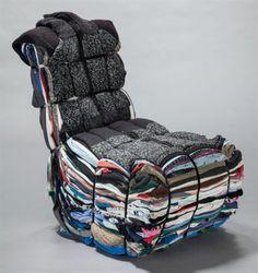 "Tejo Remy "" Rag Chair "" 1991   accumulation, superposition, détournement, attacher, en vêtements, coloré Vintage Furniture Design, Handmade Furniture, Weird Furniture, Trash Art, Plastic Art, Recycled Art, Art Plastique, Installation Art, Sculpture Art"