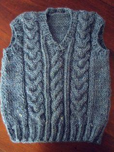 Boys Knitting Patterns Free, Knitting For Kids, Cable Knitting, Free Knitting, Knit Vest Pattern, Baby Vest, Boys Sweaters, Weaving Patterns, Filet Crochet