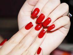 Como deixar as unhas mais fortes e saudáveis!    Ter unhas fracas e quebradiças é mais comum do que se imagine e por isso hoje em dia ex...