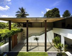 Singapore-based Guz Architects is developing a recognizable look in their sophisticated, airy and naturally ventilated tropical luxury homes. Working with project architect Gan Ren Ying, in their Tangaa House, Guz has casually defined another lovely space, as photographed by Patrick Bingham Hall. Architecture Durable, Architecture Résidentielle, Sustainable Architecture, Creative Architecture, Tropical Architecture, Tropical House Design, Tropical Houses, Tropical Paradise, Modern House Plans